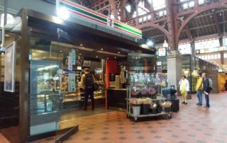 コペンハーゲン中央駅内のセブンイレブン